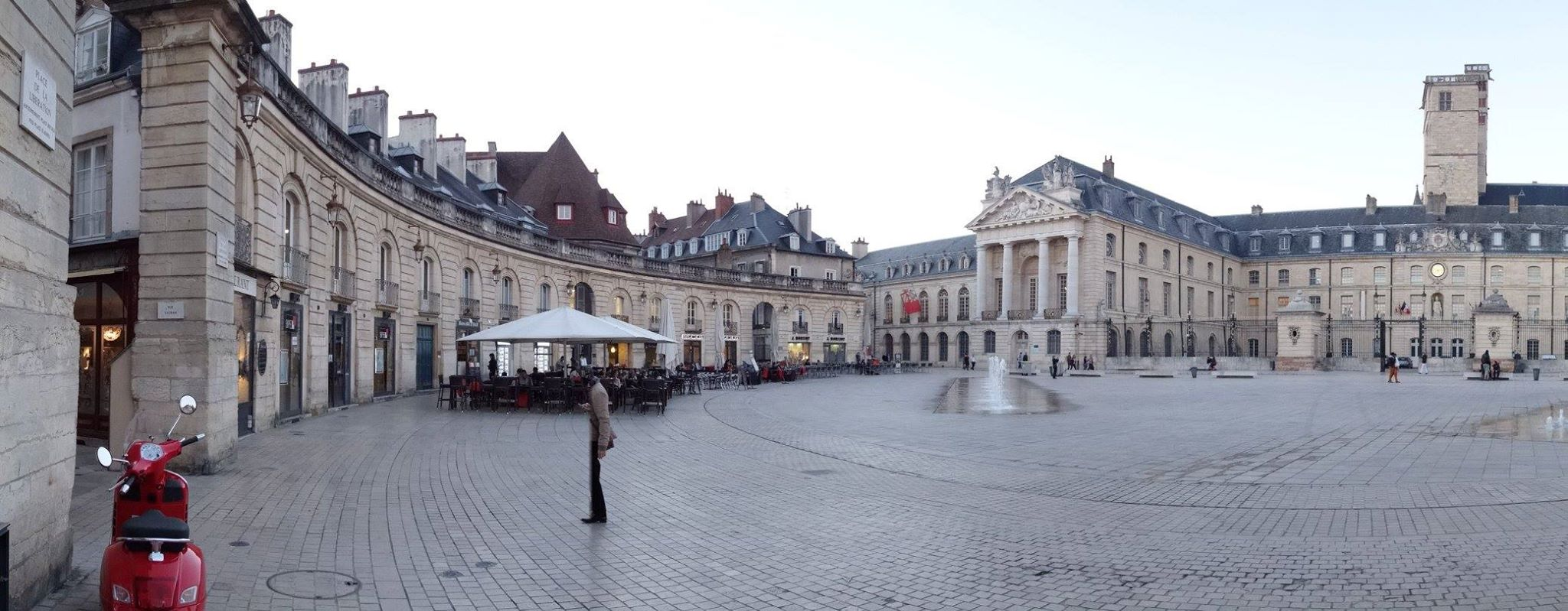 The Liberation Square and the Palace of the Dukes of Burgundy