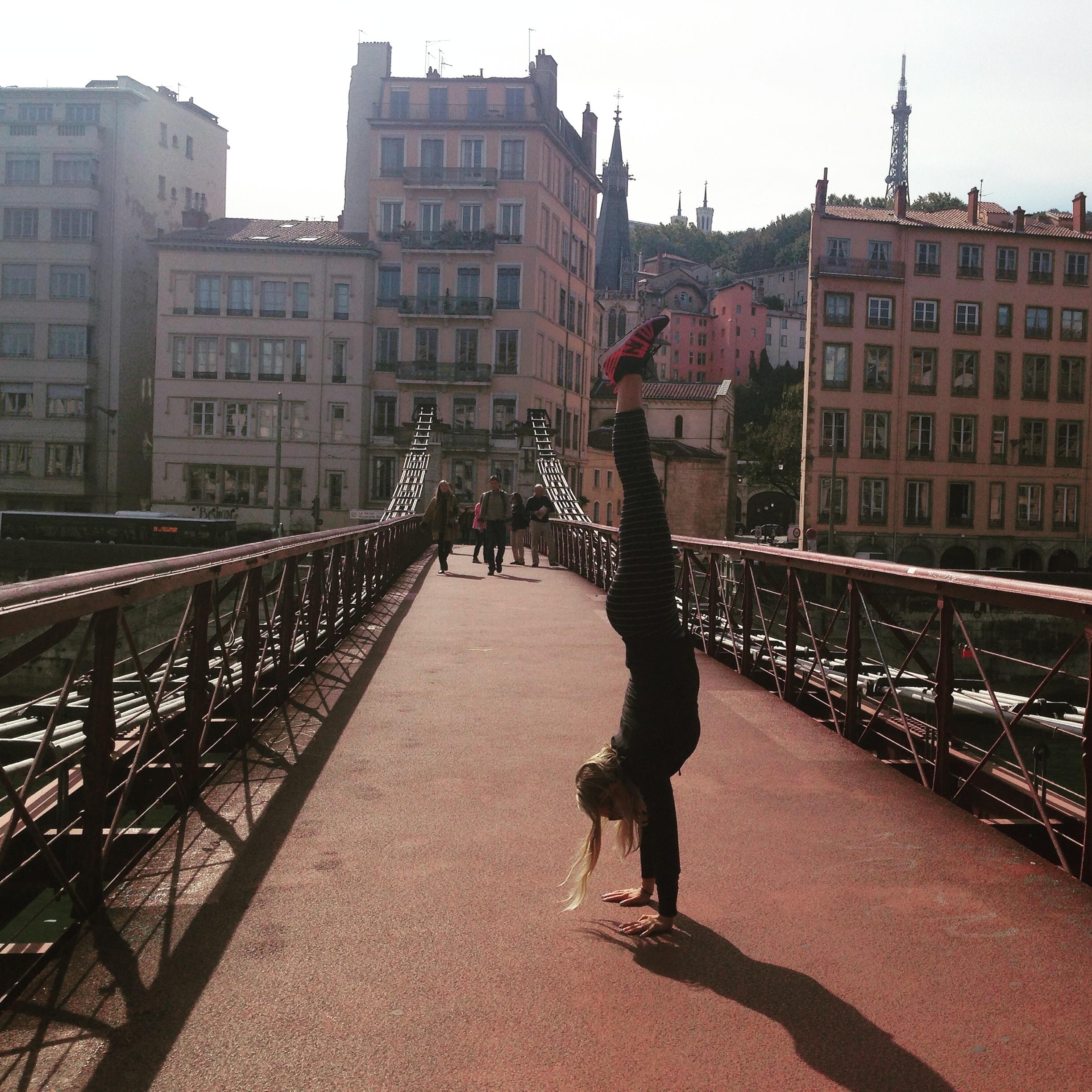 Handstand on the Pedi Bridge to Vieux Lyon